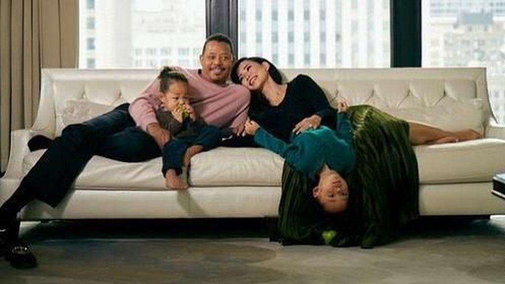 Sempat Cerai 3 Tahun, Aktor Ini Melamar Lagi Mantan Istrinya