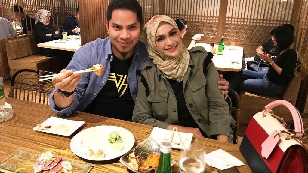 Momen Kuliner Istri Kembaran Ifan Seventeen hingga Putra Amien Rais, Mumtaz Rais