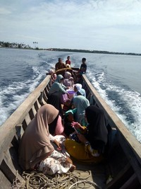 Perjalanan ke Pulau Baguk dapat ditempuh dalam 10 menit dari Pulau Banyak di Aceh Singkil. Perjalanan bisa dilakukan dengan menggunakan perahu nelayan. (dok. Istimewa)