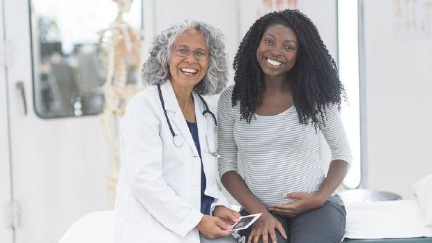 3 Tes yang Perlu Dilakukan Ibu Hamil Selain USG