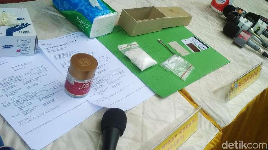 Penampakan Steve Emmanuel Usai Ditangkap dengan Barbuk Kokain