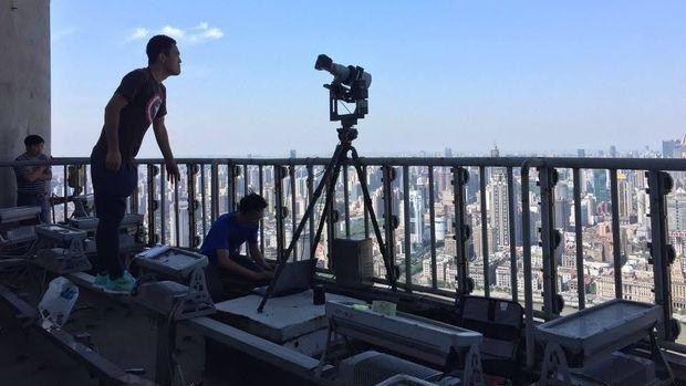 Tim BixPixel saat mengabadikan kota Shanghai