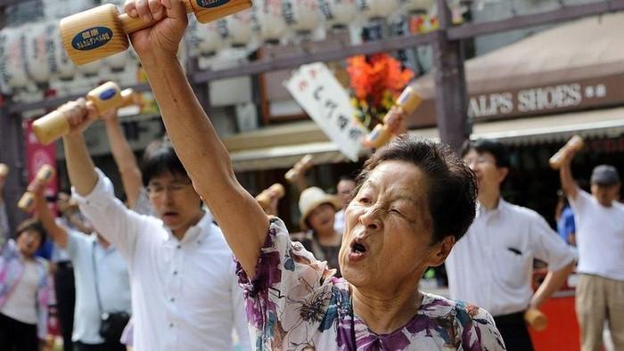 Lansia di Jepang. Foto: BBC Karangan Khas