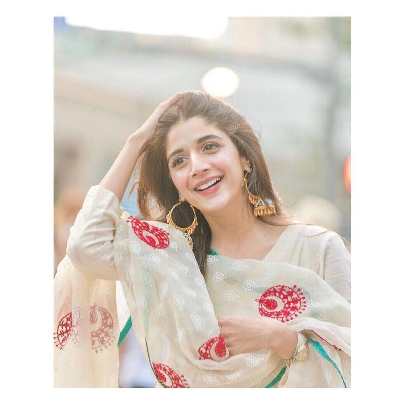 Mawra Hocane merupakan salah satu model dan artis yang mewarnai dunia hiburan Pakistan. (mawrellous/Instagram)
