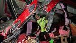 Bertabrakan, 2 Bus Ringsek 3 Penumpangnya Tewas