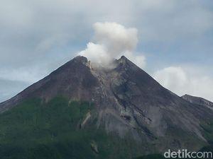 Hari Ini Terjadi 10 Kali Guguran Lava di Gunung Merapi