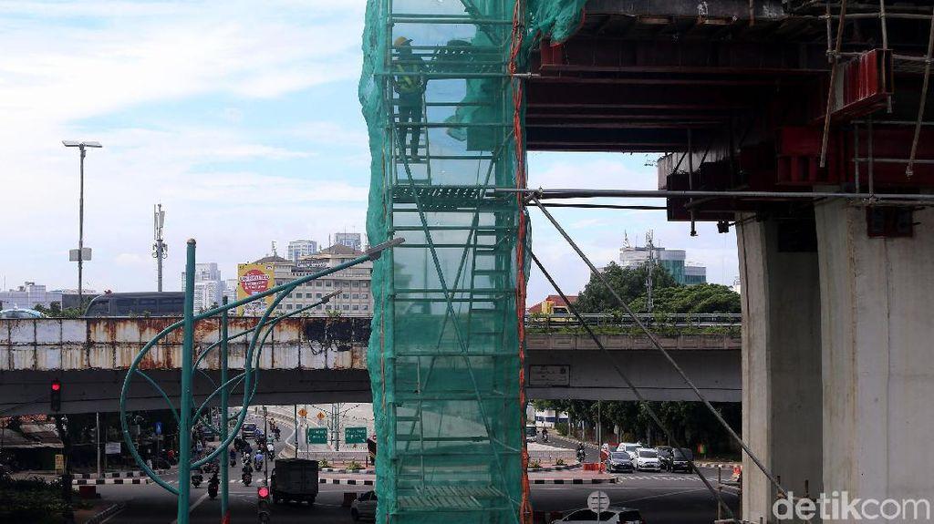 Diwarnai Isu Resesi, Ekonomi RI Diprediksi Tumbuh 5,4% dalam 5 Tahun