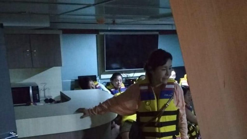 Terjebak Badai, 93 WN China Dievakuasi ke Manado