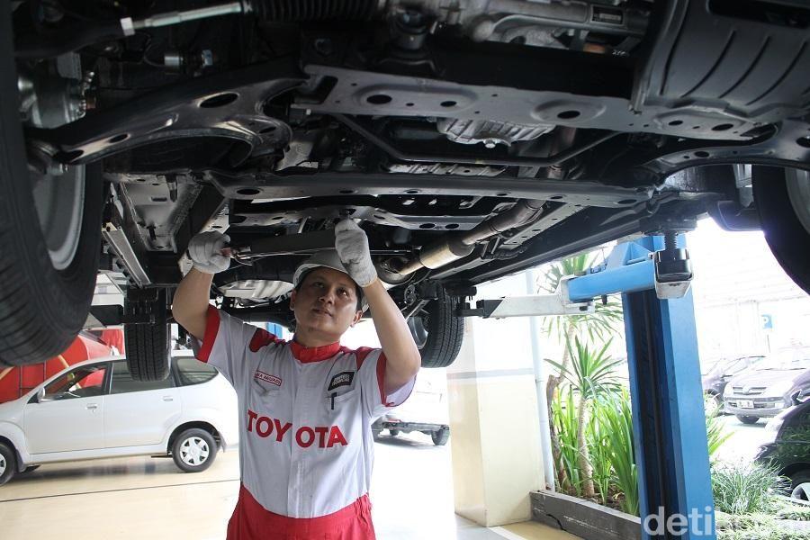 Bengkel Auto2000 juga menawarkan perpanjangan garansi.