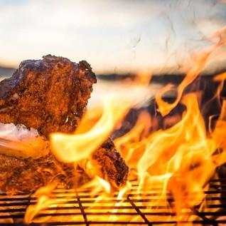 Api Arang untuk BBQ Bisa Dibuat dengan 5 Trik Ini