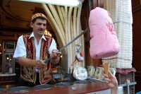 Kesal Dikerjai Penjual Es Krim Turki, Bocah Ini Ajak Berkelahi