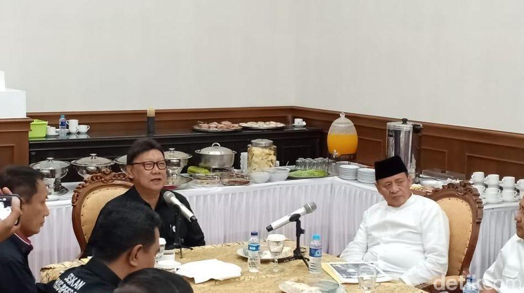 Mendagri-Gubernur Banten Bahas Penanganan Pasca Tsunami