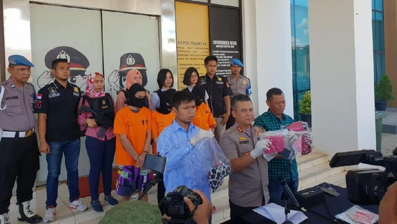 Polisi Bongkar Layanan Live Streaming Bugil di Kos Tangsel