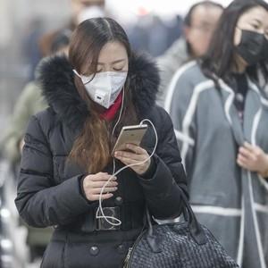 Makeup Artist China Beri Tips Makeup Saat Pakai Masker untuk Hindari Corona