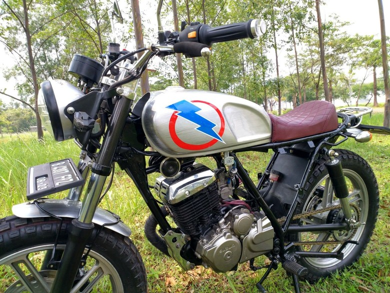 Modifikasi Suzuki Thunder Bergaya Brat Foto: Pool