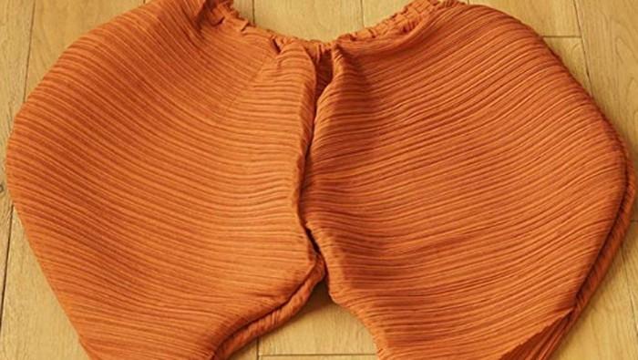 Celana unik bentuk ayam goreng. Foto: Dok. Dok. Amazon/CieKen