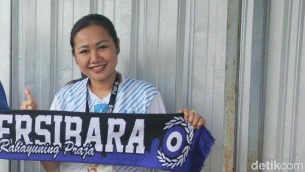 Mantan manajer Persibara Banjarnegara Lasmi Indaryani