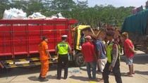 2 Truk Kecelakaan di Tol Batang-Semarang, 1 Tewas