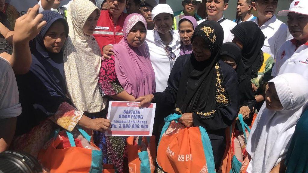 Cek Kondisi Sumur Pasca Tsunami Banten, Rini Beri Bantuan Rp 3 M