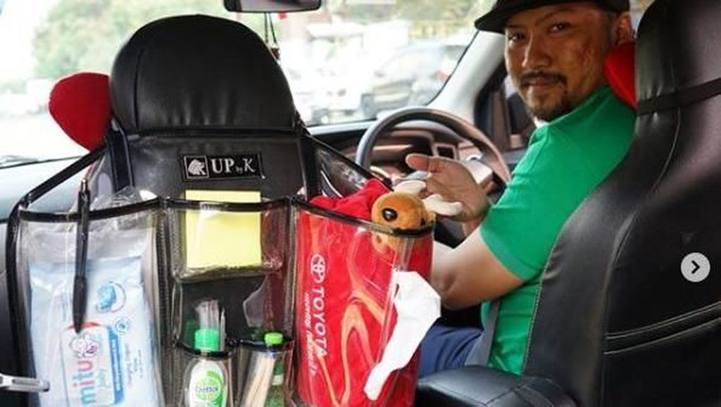 Bak Toserba Berjalan, Driver Grab Ini Sedia Minuman sampai Peniti