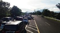 Penampakan Kemacetan Menuju Puncak H-3 Tahun Baru