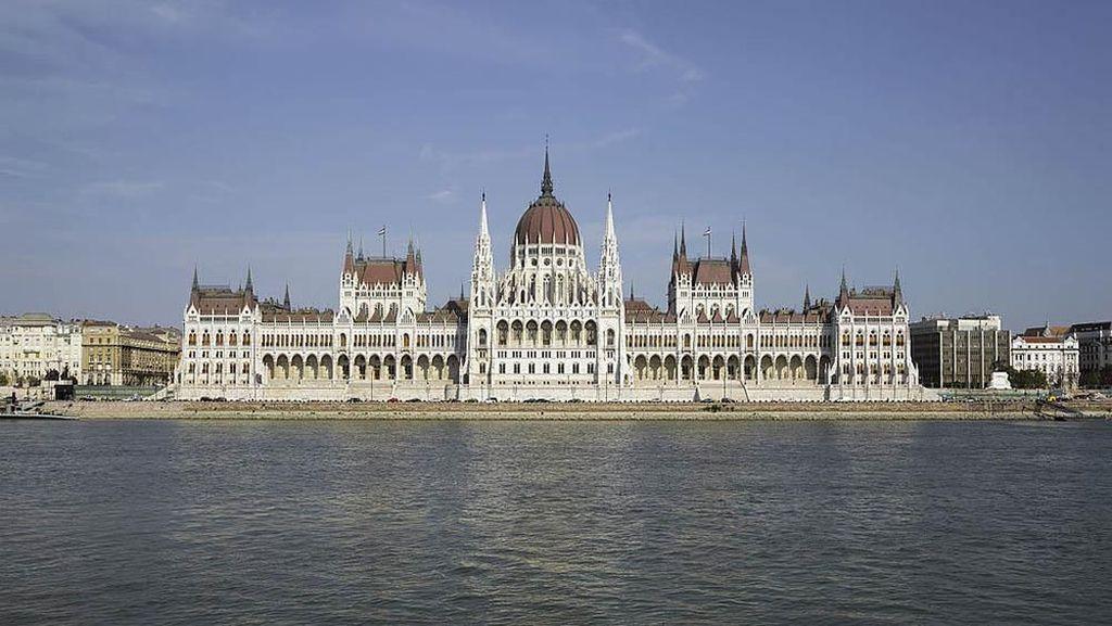 Yuk Lihat Gedung DPR Terbaik di Dunia
