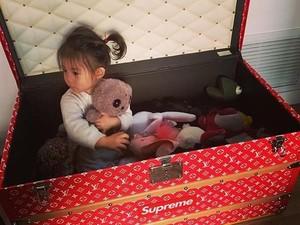 Posting Foto Putrinya Main di Kotak Rp 2,1 M, Aktor Ini Jadi Sensasi
