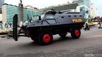 Polisi Kerahkan Kendaraan Taktis di Bundaran HI