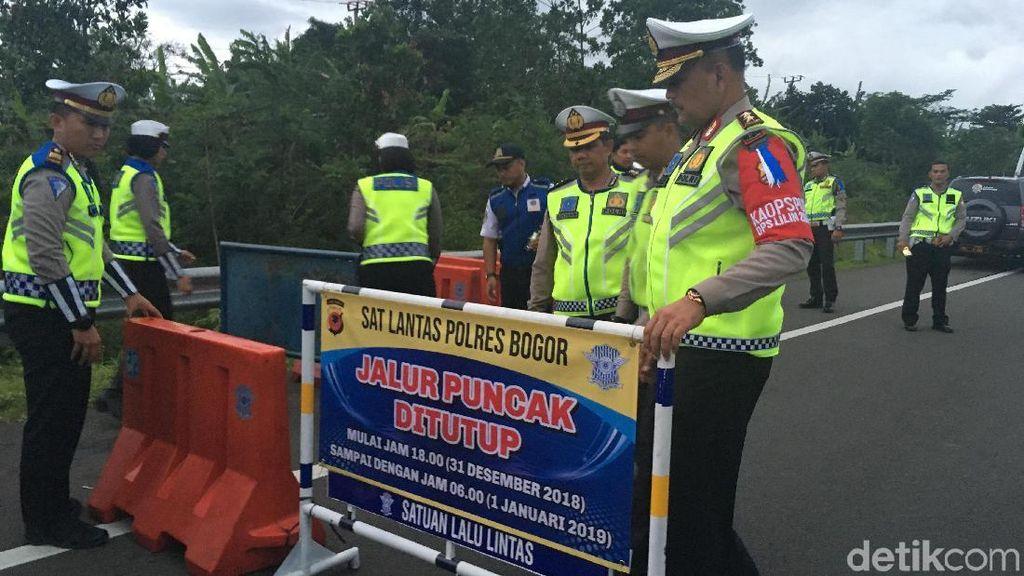 Polisi Buka Tutup Jalur Puncak Bogor Saat Libur Natal-Tahun Baru