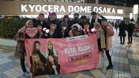 Mereka merupakan pemenang kuis Mau Apa Aja Kita Kasih, yang salah satunya berhadiah nonton konser BLACKPINK di Jepang.Dok. detikHOT