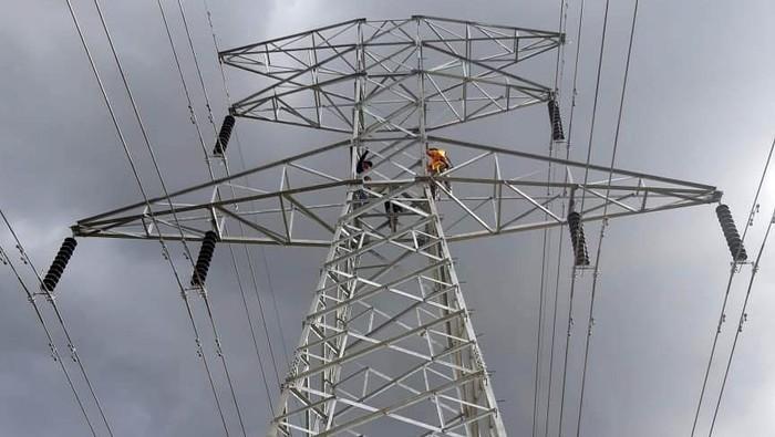 Di penghujung tahun 2018, PLN berhasil menyelesaikan dan mengoperasikan setidaknya tiga proyek transmisi kelistrikan di Sumatera.