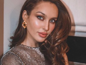 Finalis Miss Universe Viral karena Pamer Stretch Marks di Bali