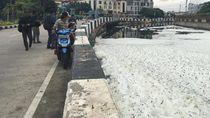 Masalah Busa, DKI akan Bangun 10 Pengolahan Limbah di Dekat Kali Sentiong