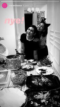 Serunya Pesta BBQ Sissy Prescillia Bareng Vanesha Prescilla dan Jevin Julian