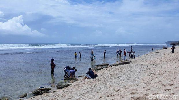 Libur Tahun Baru, Pantai Gunungkidul Relatif Sepi Pengunjung