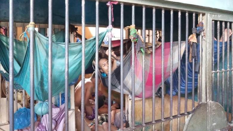 Tahanan Tidur Bak Kelelawar, Karutan: Aman Saja Sudah Bagus Itu