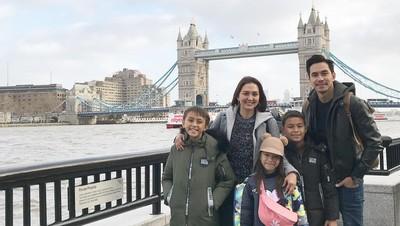 Seru! 5 Keluarga Artis Berlibur Tahun Baru di Luar Negeri