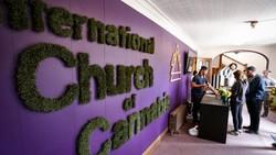 Para jemaat gereja ini menggunakan ganja demi tujuan spiritualis. Pendirinya menyebut ganja sebagai tanaman suci yang bisa membantu manusia mencapai pencerahan.