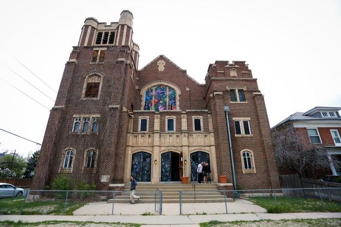 Para anggota Gereja Ganja Internasional menyebut dirinya sebagai Elevationists. Meski mengundang kontroversi namun tidak melanggar hukum di Denver. (Foto: Marc Piscotty/Getty Images)
