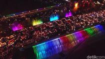 Meriah Pergantian Tahun di Jembatan Air Mancur Menari Semarang