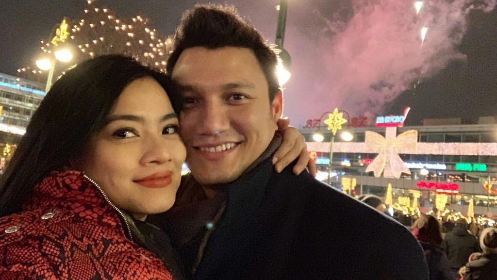 Potret Keluarga Titi Kamal Rayakan Malam Tahun Baru di Jerman