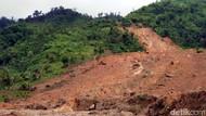 Kondisi Tanah Rapuh, Ada 4 Longsor Susulan di Kampung Adat Sukabumi