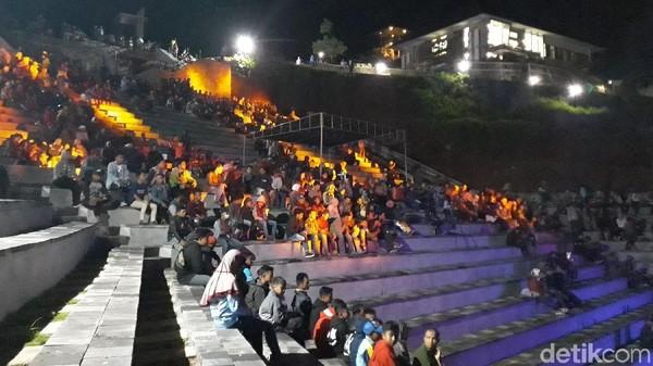 Amphiteater tersebut memiliki luas sekitar 4.000 m2, kapasitasnya 2.000-2.500 penonton (Pradito/detikTravel)
