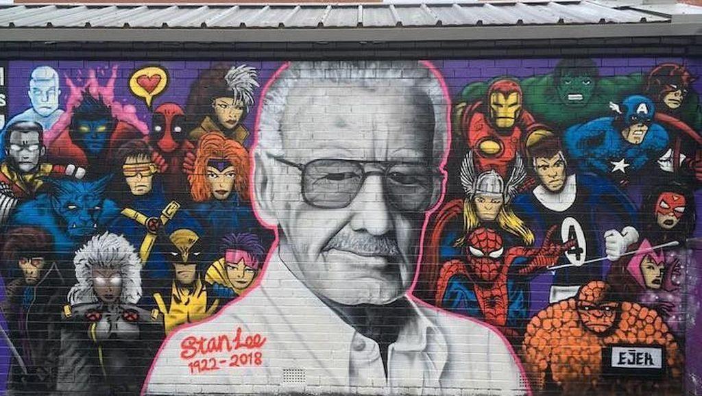 Mural Raksasa Stan Lee Muncul di Skotlandia