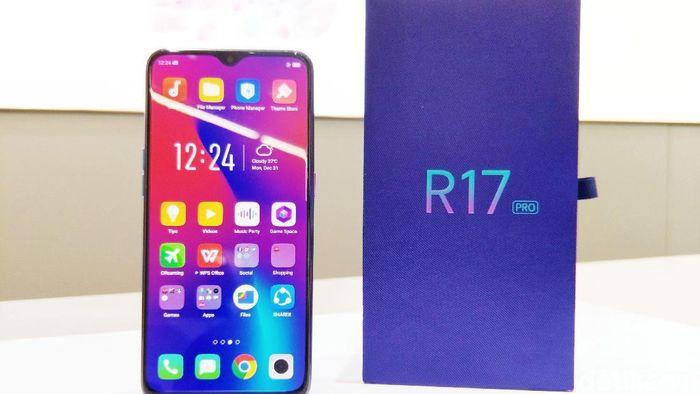 Simak harga dan spek Oppo R17 Pro yang gres saja resmi dirilis di Indonesia. (Foto: Adi Fida Rahman/detikINET)