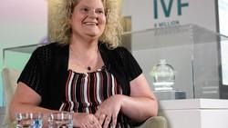 Prosedur in vitro fertilisation (IVF) atau bayi tabung pertama kali sukses tahun 1978 melahirkan seorang bayi perempuan bernama Louise Brown.