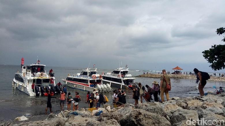 Kapal penyeberangan ke Nusa Penida (Aditya Mardiastuti/detikTravel)