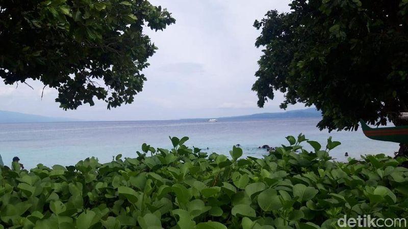 Pantai Akipai yang berada di Dusun Wainuru, Negeri Liang, Kabupaten Maluku Tengah, Maluku (Muslimin Abbas/detikTravel)