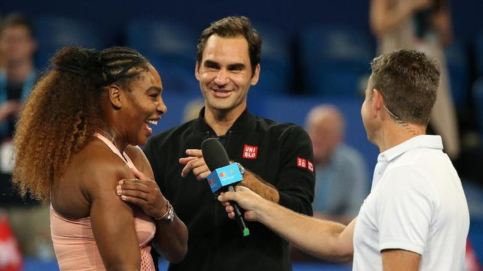 Serena Williams dan Roger Federer saling berhadapan di Piala Hopman (Paul Kane/Getty Images)