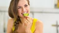 Tekanan Darah dan Berat Badan Naik? Rutinlah Makan Mentimun Tiap Malam